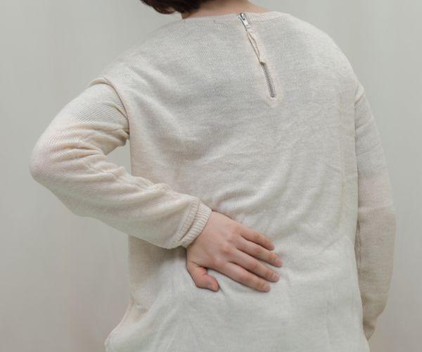 腰の痛み・脚のしびれ(坐骨神経痛・腰椎椎間板ヘルニア等)
